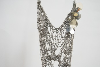 Glow knitted metal chain necklace with sequins
